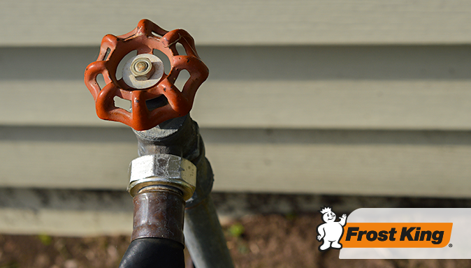 5 Smart (And Easy!) Tips to Protect Your Pipes Tip Image